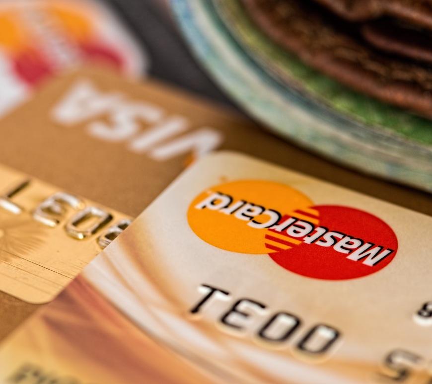 Кредитные карты, советы, путешествия, поездка, платежи, деньги, платежная карта, терминал